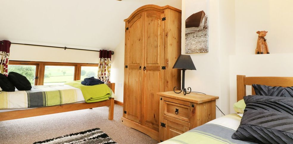 Woodcutters Cottage Twin Bedroom