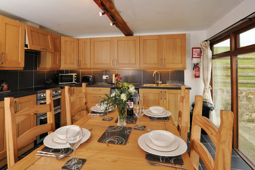 Woodcutters Cottage Dining Area